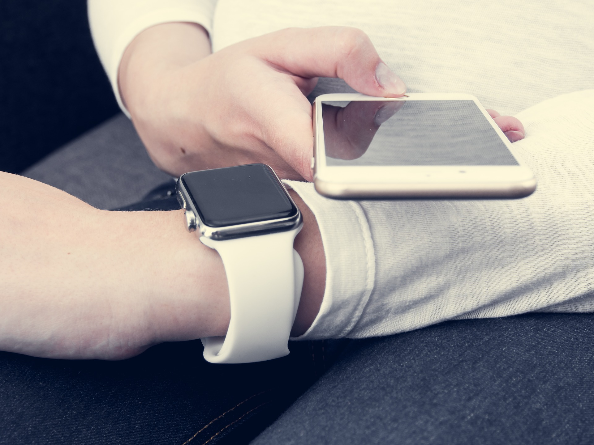 How wearables will reshape marketing in 2016